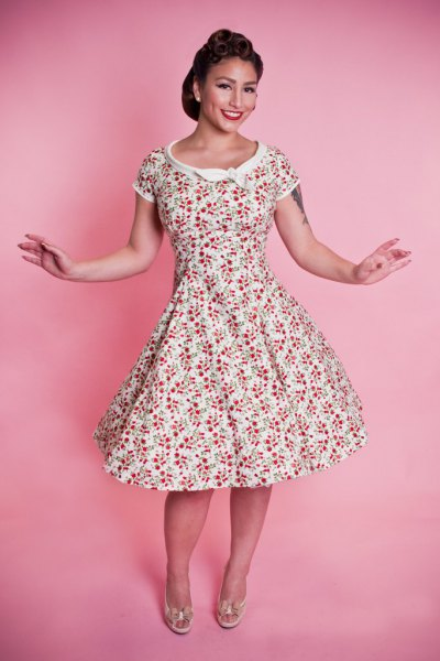 white and blush pink floral printed 1950s style swing dress