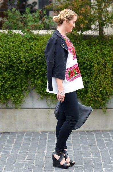 white blouse black mini blazer skinny jeans