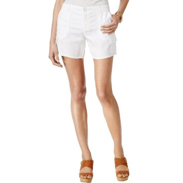 white flowy cargo shorts brown sandals