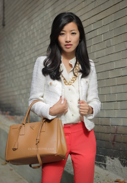 white tweed blazer with pink shirt gold necklace