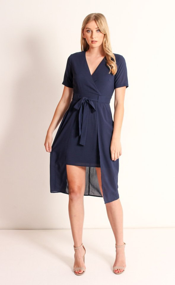 7f0cc3836f3f 15 Amazing Navy Wrap Dress Outfit Ideas  Style Guide - FMag.com