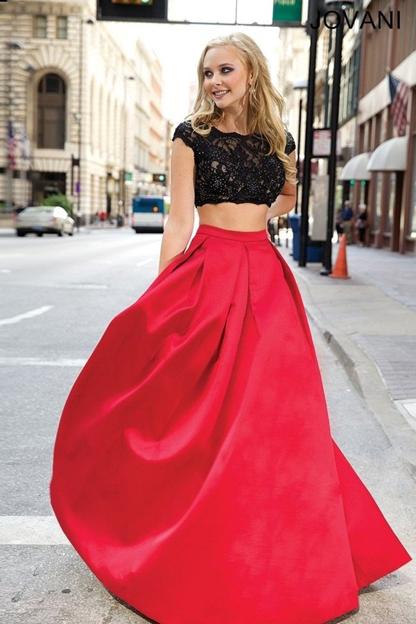 09a7da9722a How to Wear Lace Crop Top: 15 Low-Key Sexy Outfit Ideas - FMag.com