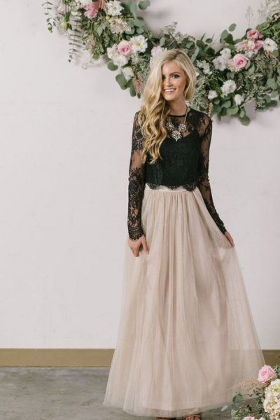 black scalloped hem lace top with pale pink tulle floor length skirt