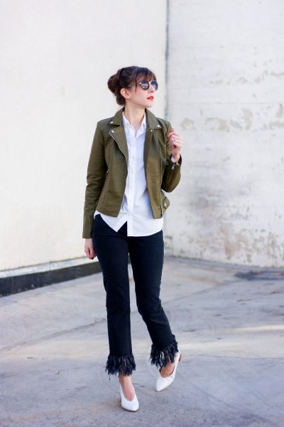 brown short blazer with white shirt and black jeans
