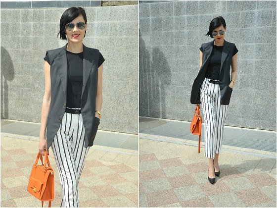 cap sleeve tee black and white striped cropped pants