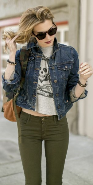 grey cropped print tee with blue denim jacket