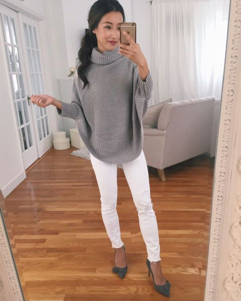 grey ribbed sweater with white skinny jeans