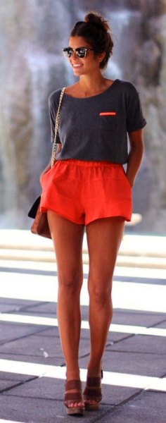 grey scoop neck t shirt with flowy shorts