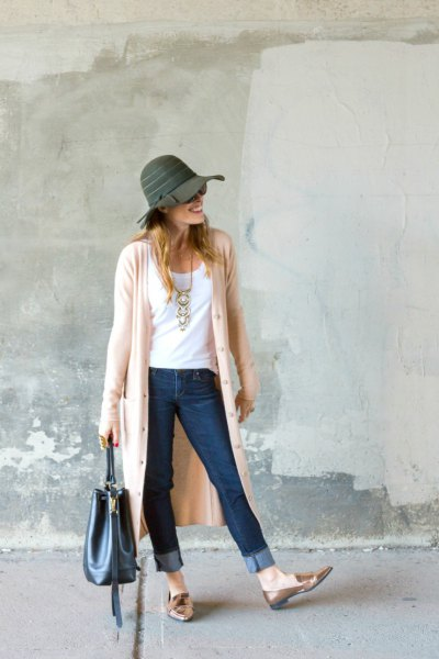 pale pink duster sweater with grey floppy hat