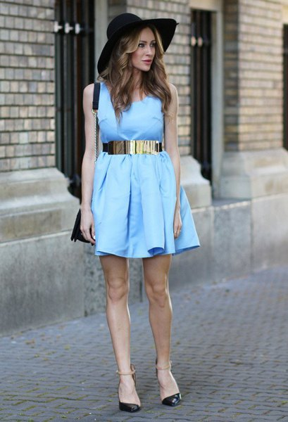pleated sleeveless mini dress with silver metallic belt and felt hat