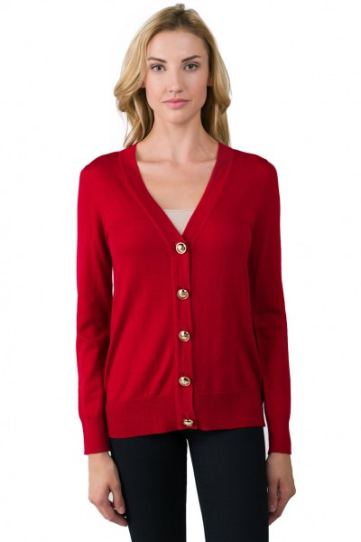 red v neck cardigan with dark blue skinny jeans