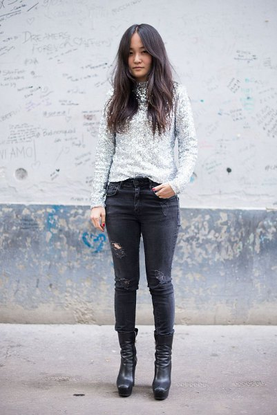 silver sequin sweater with black skinny jeans