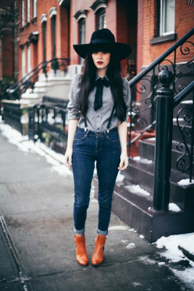 suspender jeans with grey ribbon bow shirt