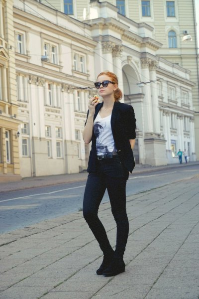 black blazer with white print tee and wedge boots