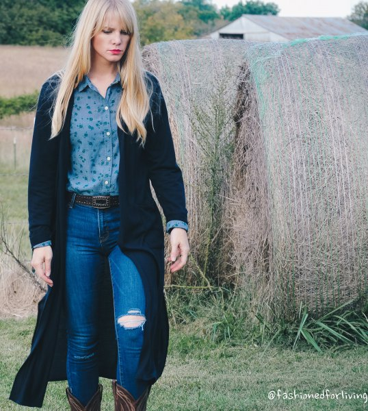 black maxi cardigan with purple button up shirt and blue jeans