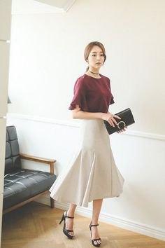 grey t shirt with white midi mermaid skirt