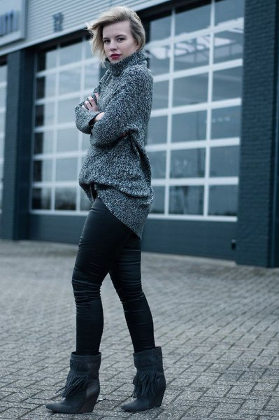 grey turtleneck chunky sweater with leather leggings and black booties