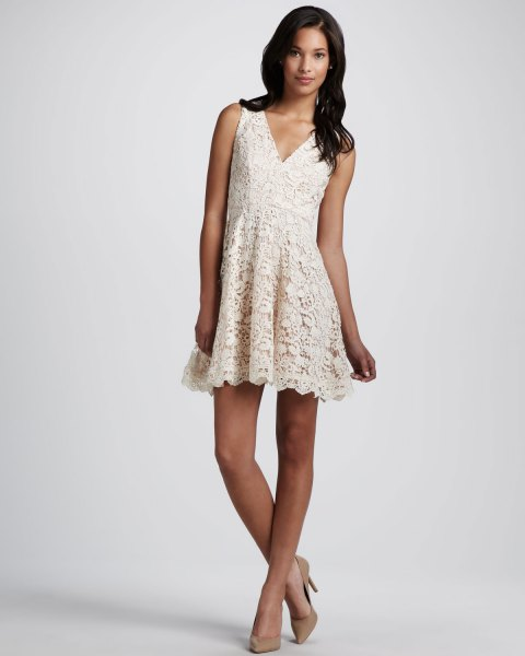 lace v neck mini swing dress with pink pointed toe heels