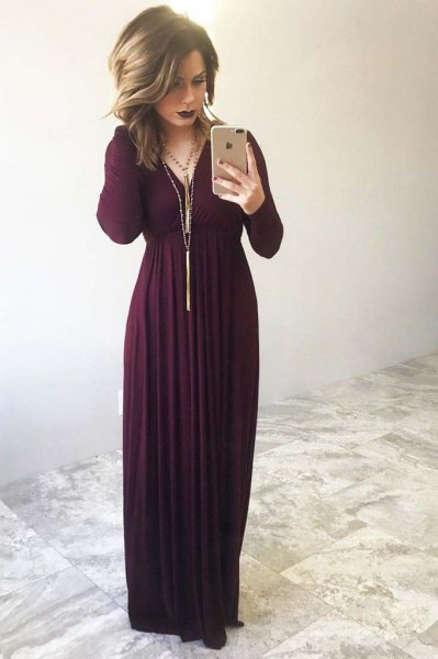 long sleeve maxi dress with long fringe necklace