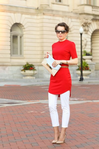 slim cut tunic top with white cropped skinny jeans