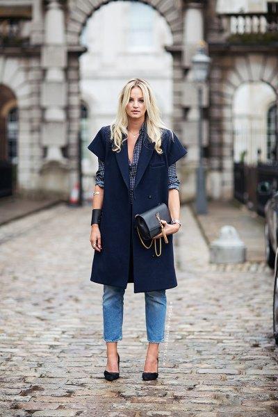 black short sleeve longline blazer with blue cropped jeans