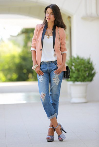blush pink casual blazer with white tee and boyfriend jeans