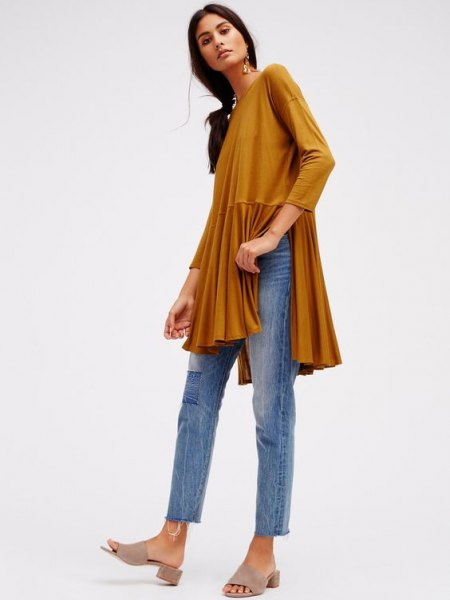 green peplum slit dressy tunic top with cropped slim cut jeans