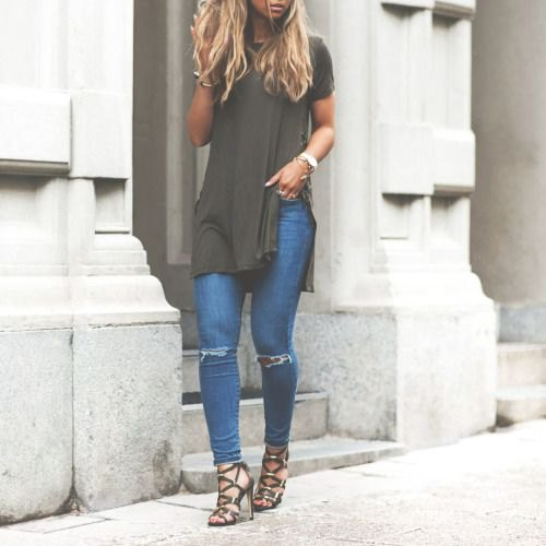 grey side slit tee with blue jeans