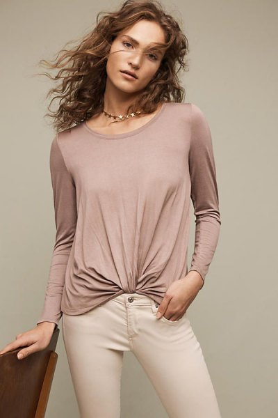 grey twist front top with ivory skinny jeans