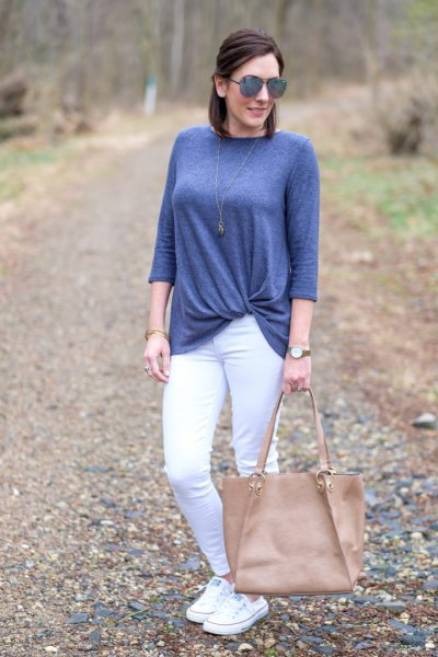 teal blue twist front top with white skinny jeans