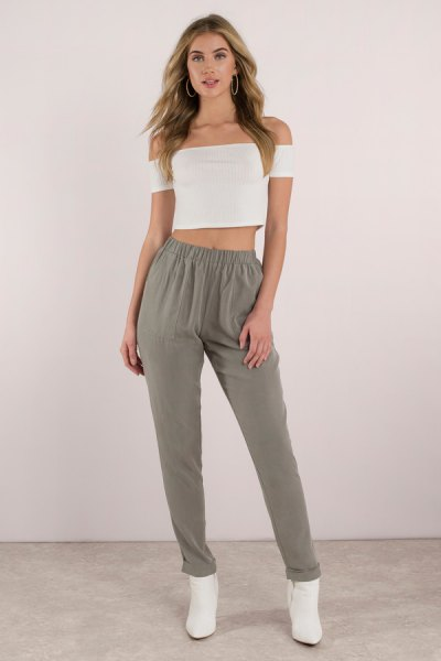 c7c74fd047 How to Style Khaki Joggers: 15 Best Outfit Ideas for Women - FMag.com