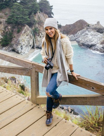 grey knit hat with white crochet sweater and ripped jeans