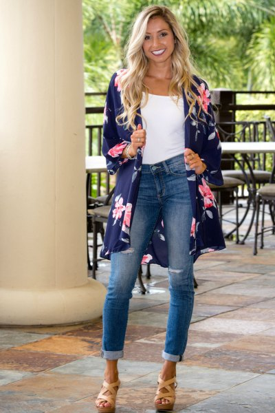 db6894d741e3 Top 13 Kimono Cardigan Outfit Ideas for Women: Style Guide - FMag.com
