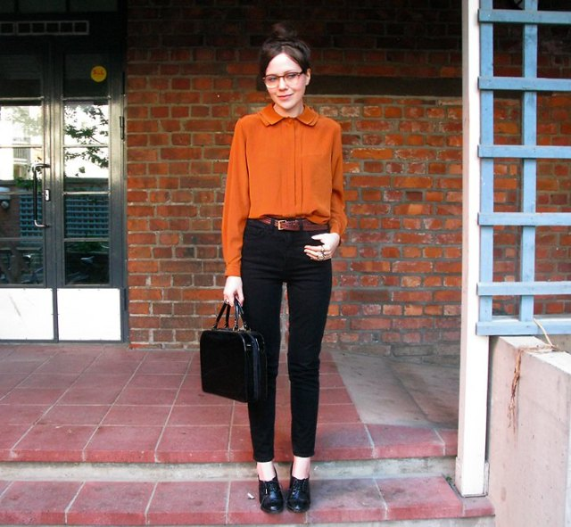 chiffon blouse with black high waisted slim fit jeans