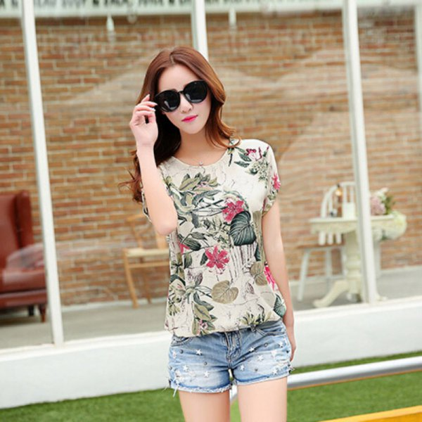 floral printed crew neck top with blue denim mini shorts