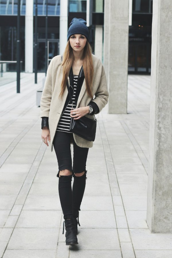 d15c38060e3 How to Style Ripped Skinny Jeans: 13 Stylish & Lean Outfit Ideas for ...
