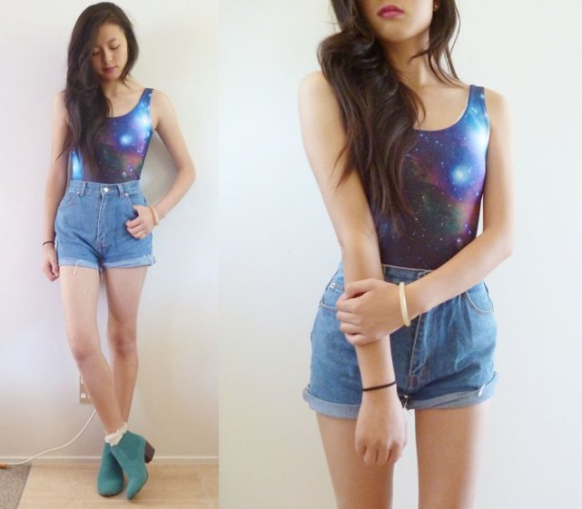 galaxy printed fitted tank top with blue vintage high rise denim shorts