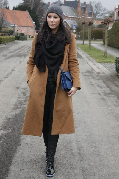 blush pink long wool coat with black scarf and matching skinny jeans