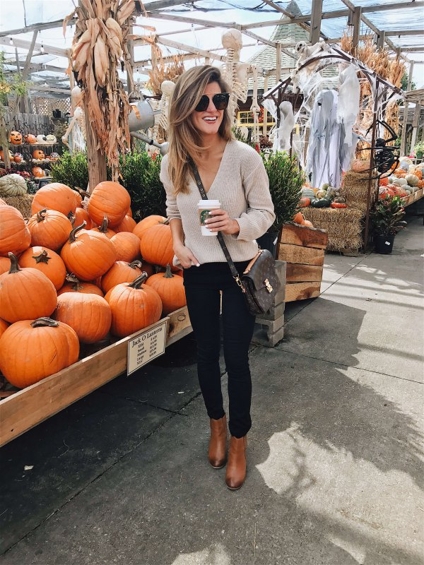 best v neck sweater outfit ideas for women