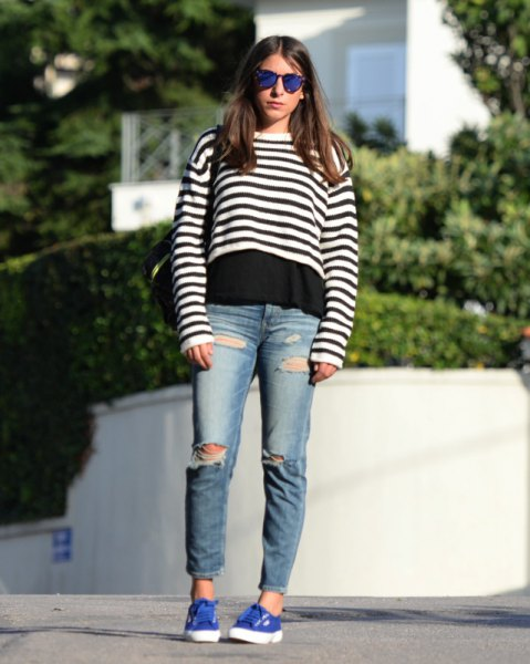 black and white stripe cropped sweater over t shirt and boyfriend jeans