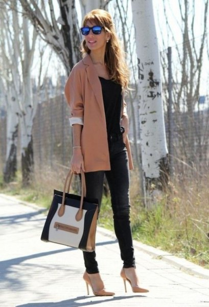 blush pink long slim fit blazer with black tank top and skinny jeans