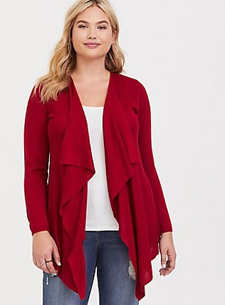red casual cardigan with white top and boyfriend jeans