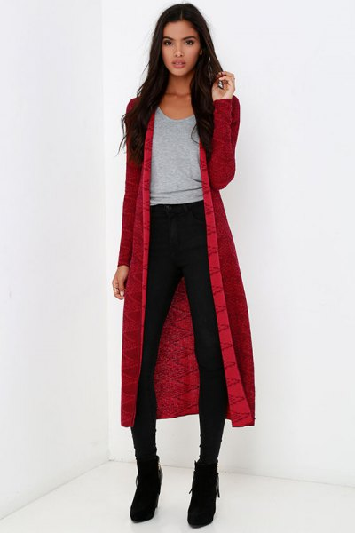 red midi cardigan with grey scoop neck tee and black skinny jeans