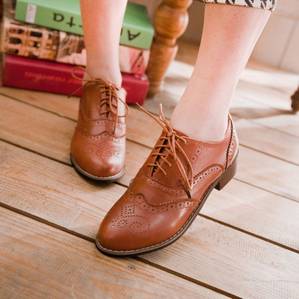 best brown wingtip shoes outfit ideas for women