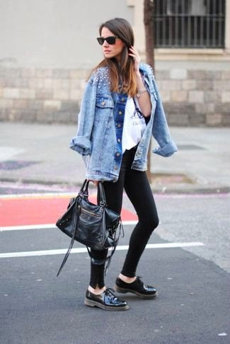 blue boyfriend denim jacket with black leather oxford shoes