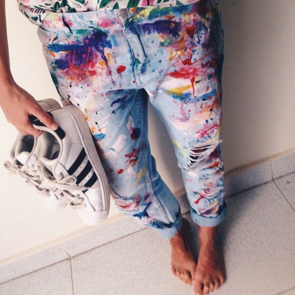 cuffed colorful painted boyfriend jeans with white sneakers