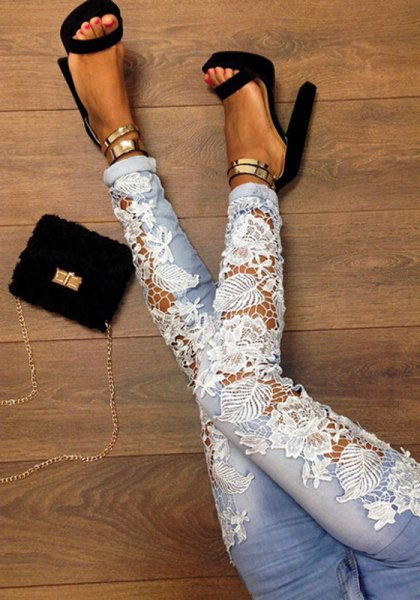 light blue skinny jeans with black and gold heels