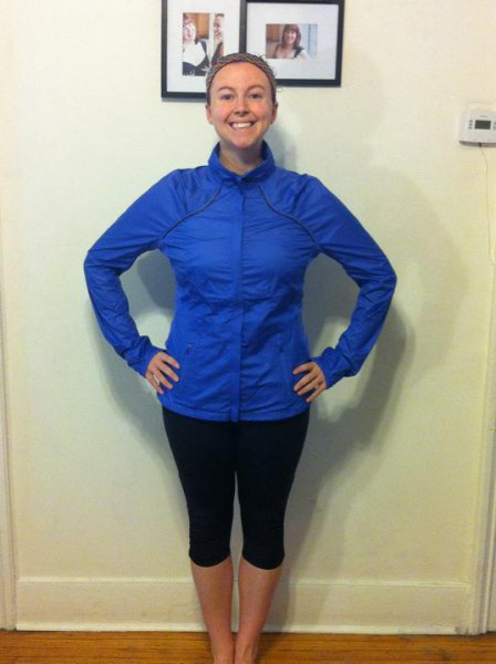 royal blue windbreaker with black cropped running tights