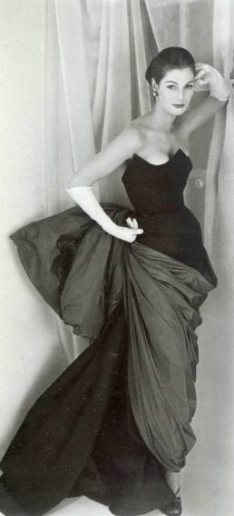 1952 fiona campbell-walter - schiaparelli