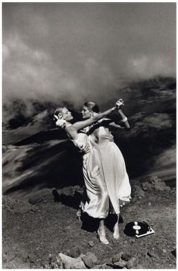 Patti Hansen and Rene Russo, U.S. 'Vogue', Maui, Hawaii 1974